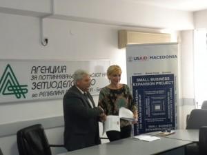 Потпишување на писмо за соработка помеѓу АПРЗ и Проектот на УСАИД за експанзија на малите бизниси